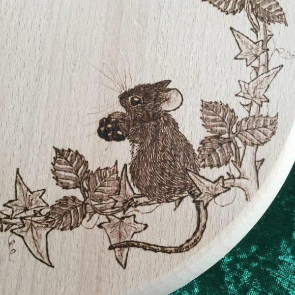 beech stool with mouse